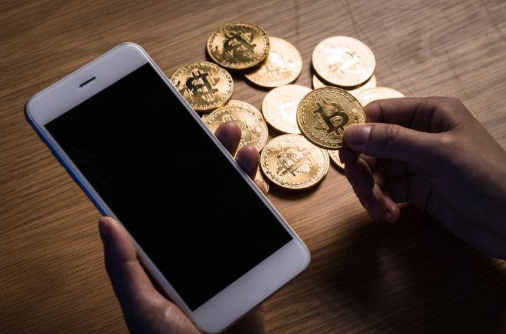スマートフォンに仮想通貨を入金