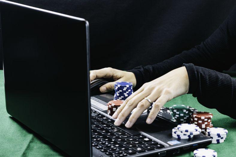オンラインカジノとパソコン