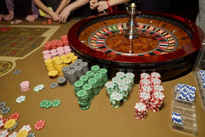 カジノのルーレットテーブル