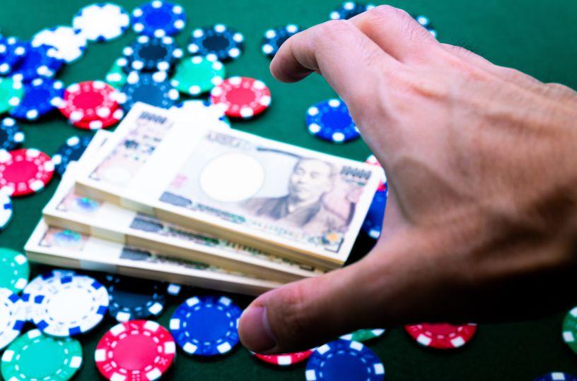 カジノチップとお金